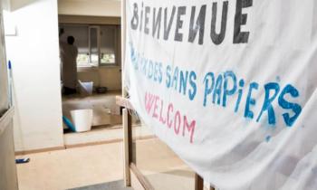 Des sans-papiers logés dans un bâtiment réquisitionné à Etterbeek